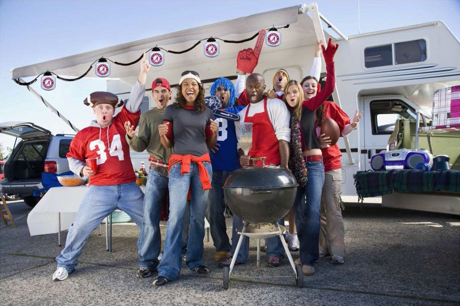 How to Have the Ultimate Super Bowl RV Tailgating Experience