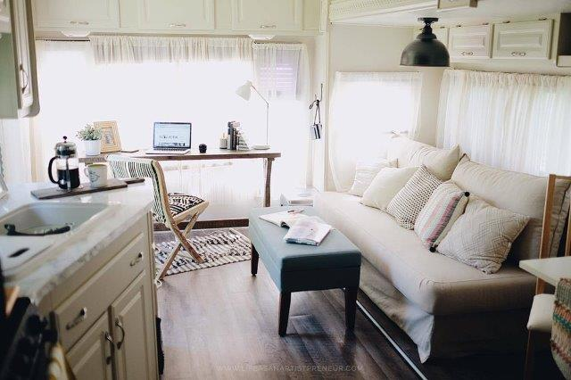 15 Extreme RV Makeovers and Creations