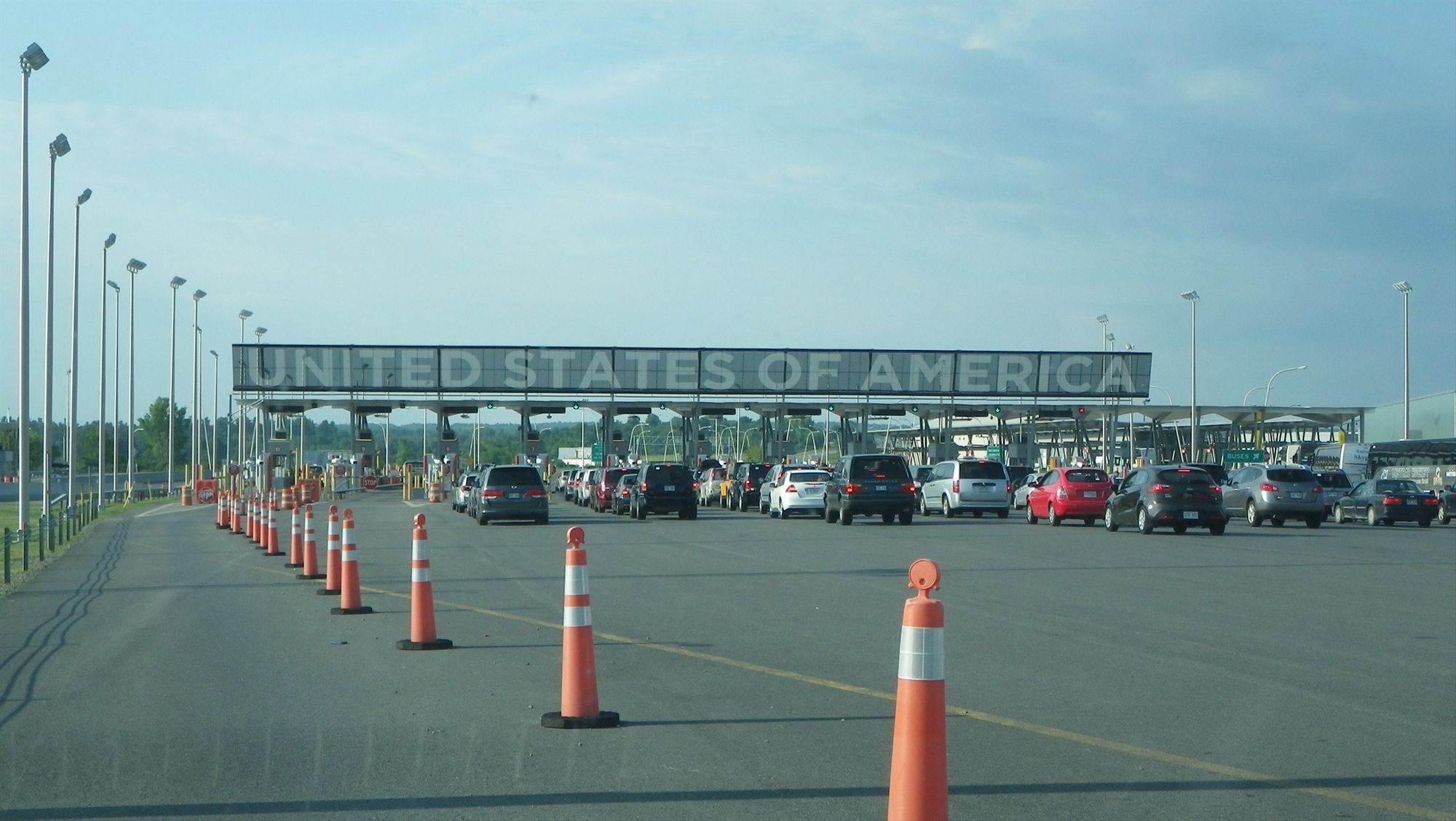 Bringing your Motorhome or Trailer over the Canadian/US border