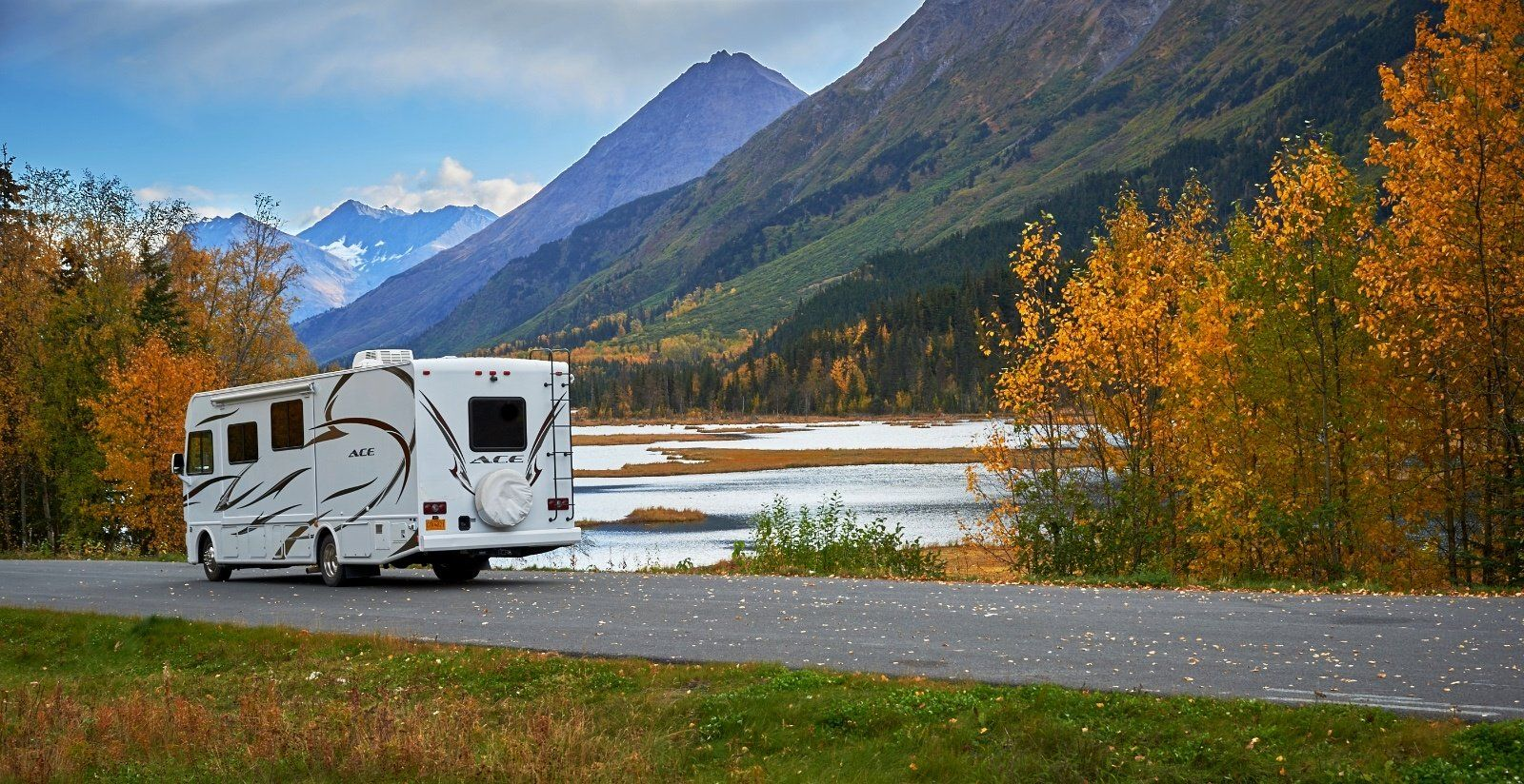 Renting vs. Buying an RV: Which is the best option?