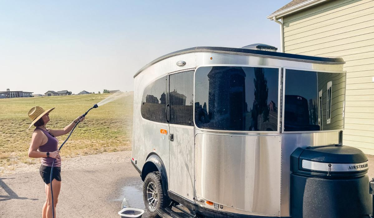 How to Clean Your RV Like a Pro [13 Cleaning Tips & Tricks]